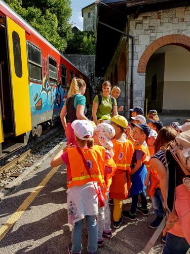 V Kamnik z vlakom